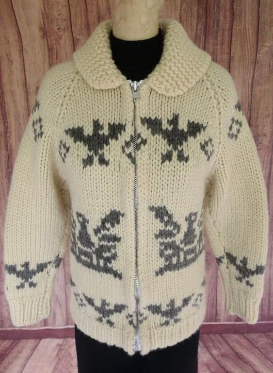 KNITTED SWEATER JACKET