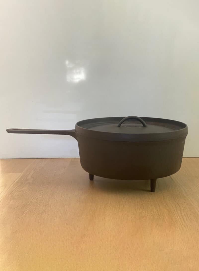 VINTAGE CAST IRON POT