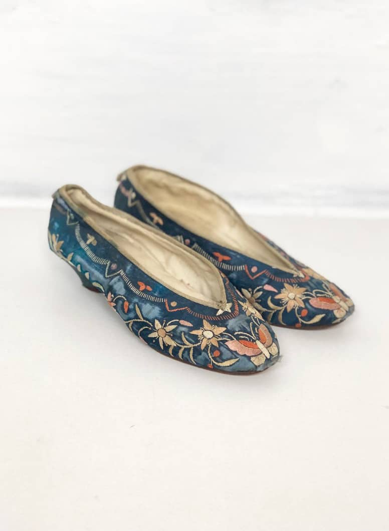 VINTAGE EMBROIDERED SILK SLIPPERS