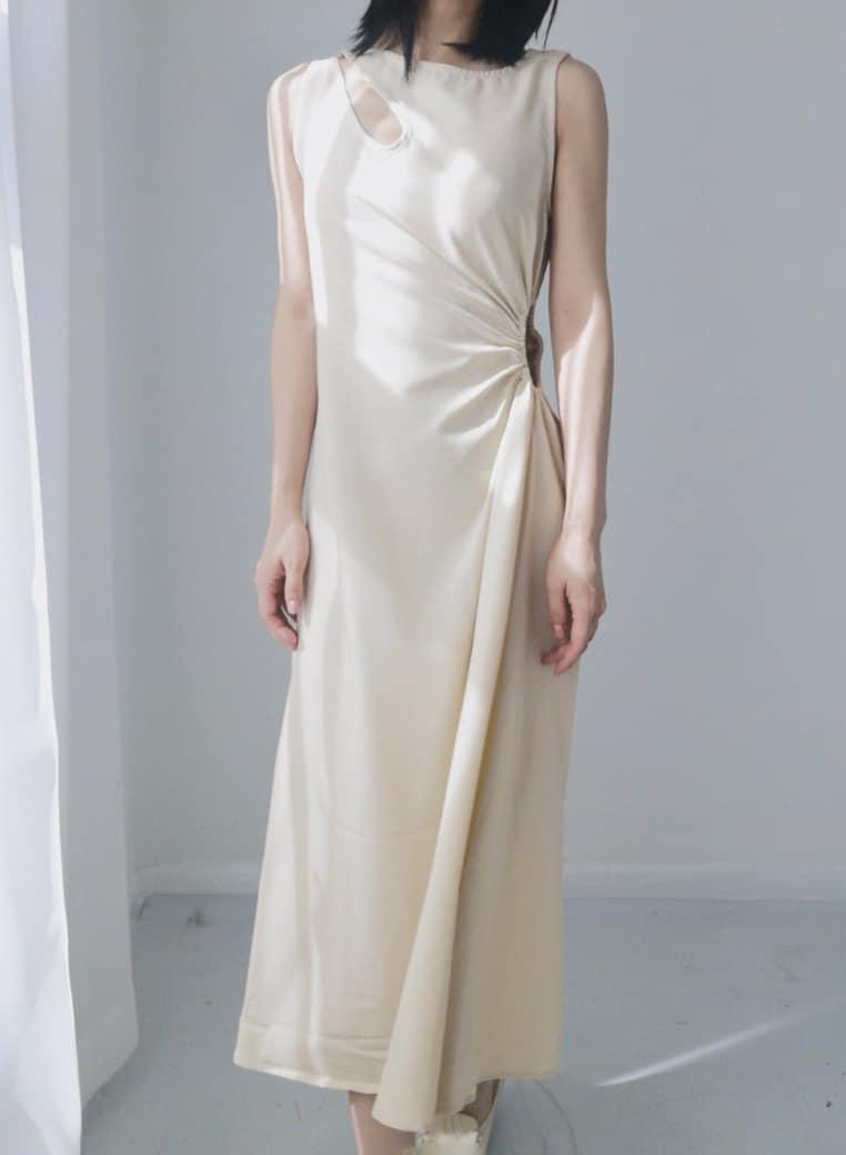 VINTAGE LIGHT YELLOW MAXI DRESS