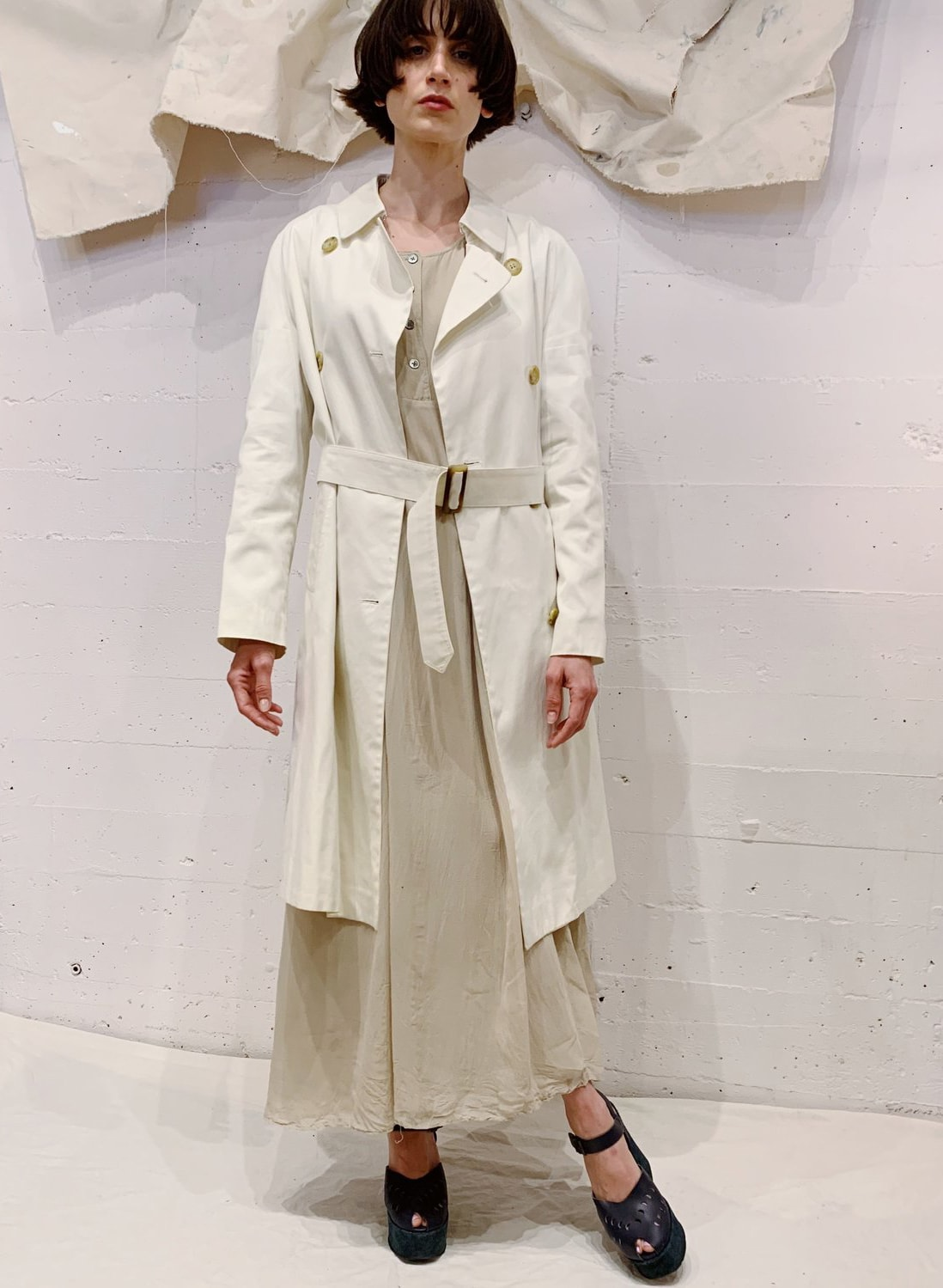 Barney-s-Vintage-White-Trench-20210414025411
