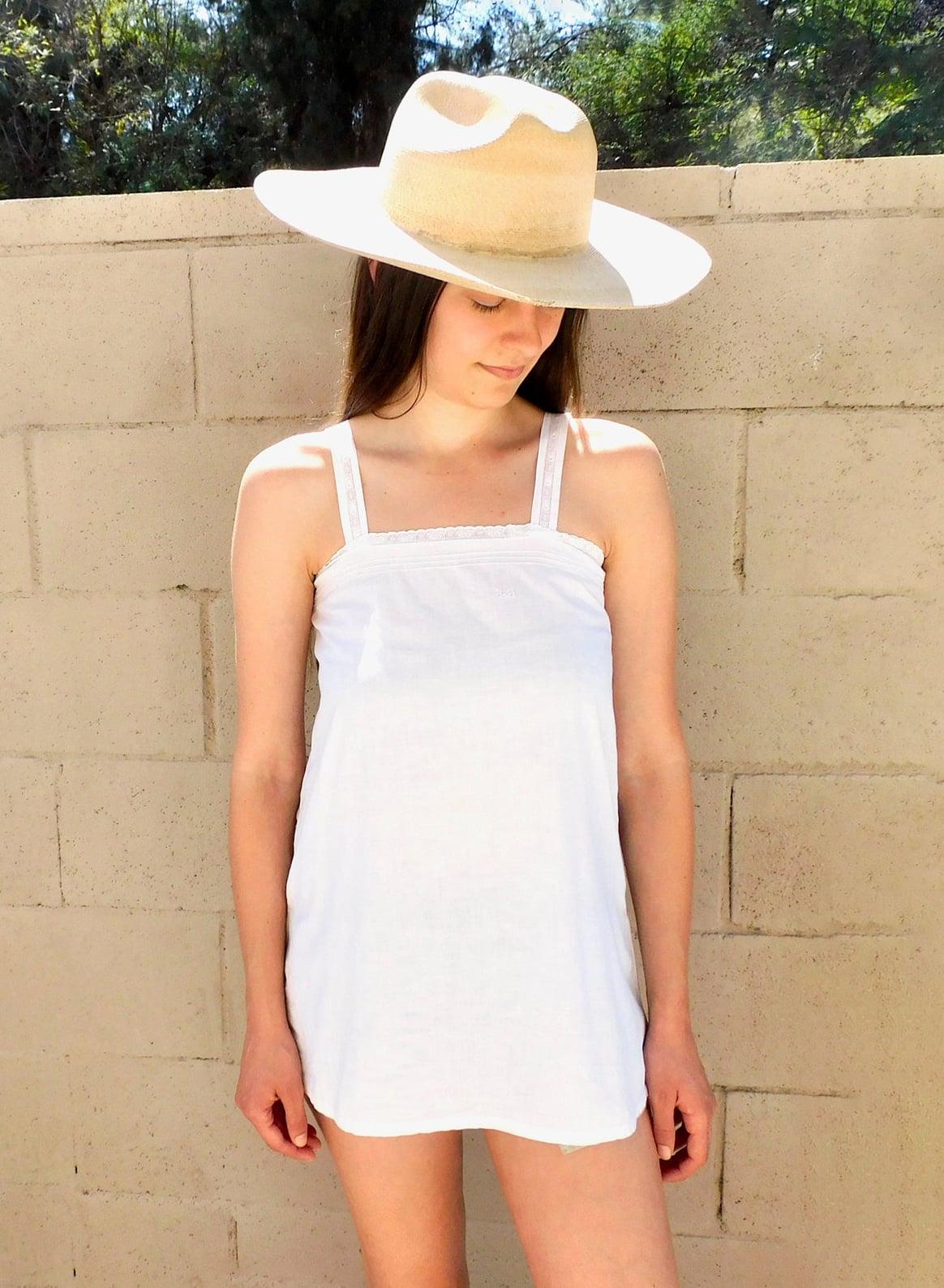 Victorian Crochet Tank :: vintage boho blouse hippie cotton dress dress white Victorian 1900s sun tunic :: XS