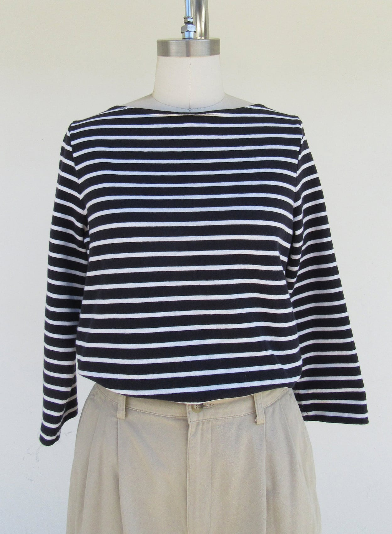 80s 90s All Cotton Boat Neck Striped Navy Blue and White Long Sleeve Top Blouse Shirt | Nautical flair All Cotton High Crew Neck Top | S