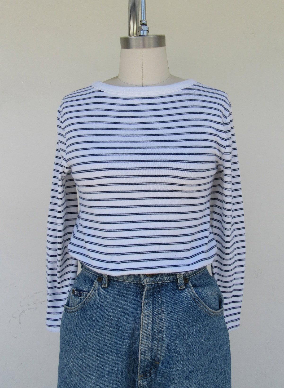 90s White and Navy All Cotton Long Sleeve Striped Tee Shirt | Size S