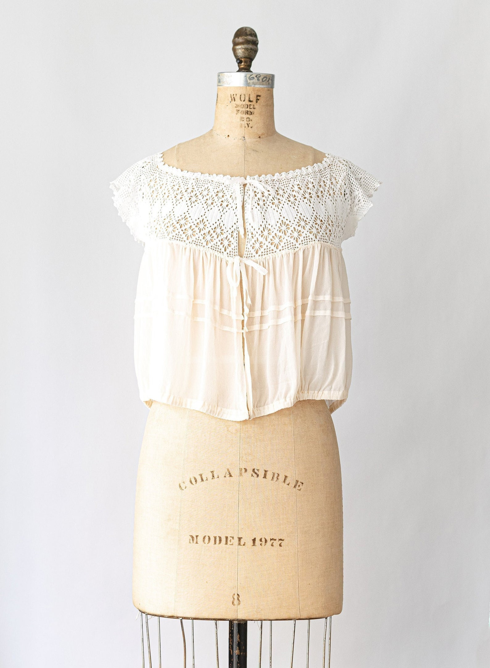 Antique Silk Crochet Corset Cover Camisole Edwardian Crocheted Lace White Top Size XS S 1900s Cream Cropped Shirt Cami