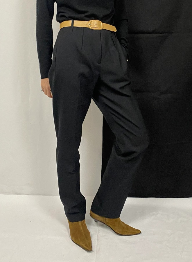 Maison Martin Margiela Wool Pants for Women Size 42 _ High Waisted, Tapered Black Wool Pants - FTV643