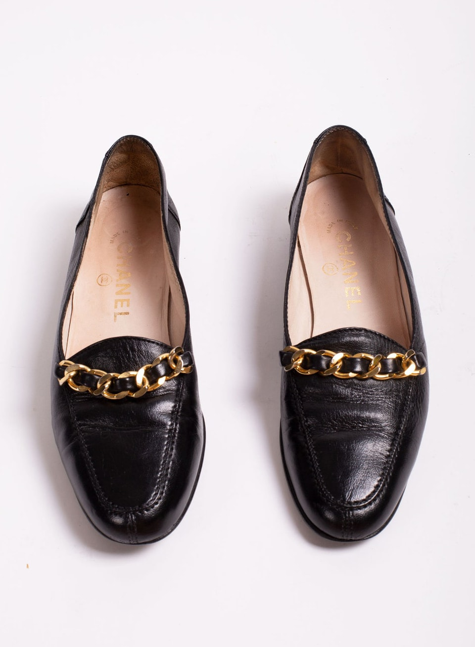 Rare Vintage Chanel Black Lambskin Leather + Gold Chain Link Loafers size 37 7 80s 90s Minimal Classic CC