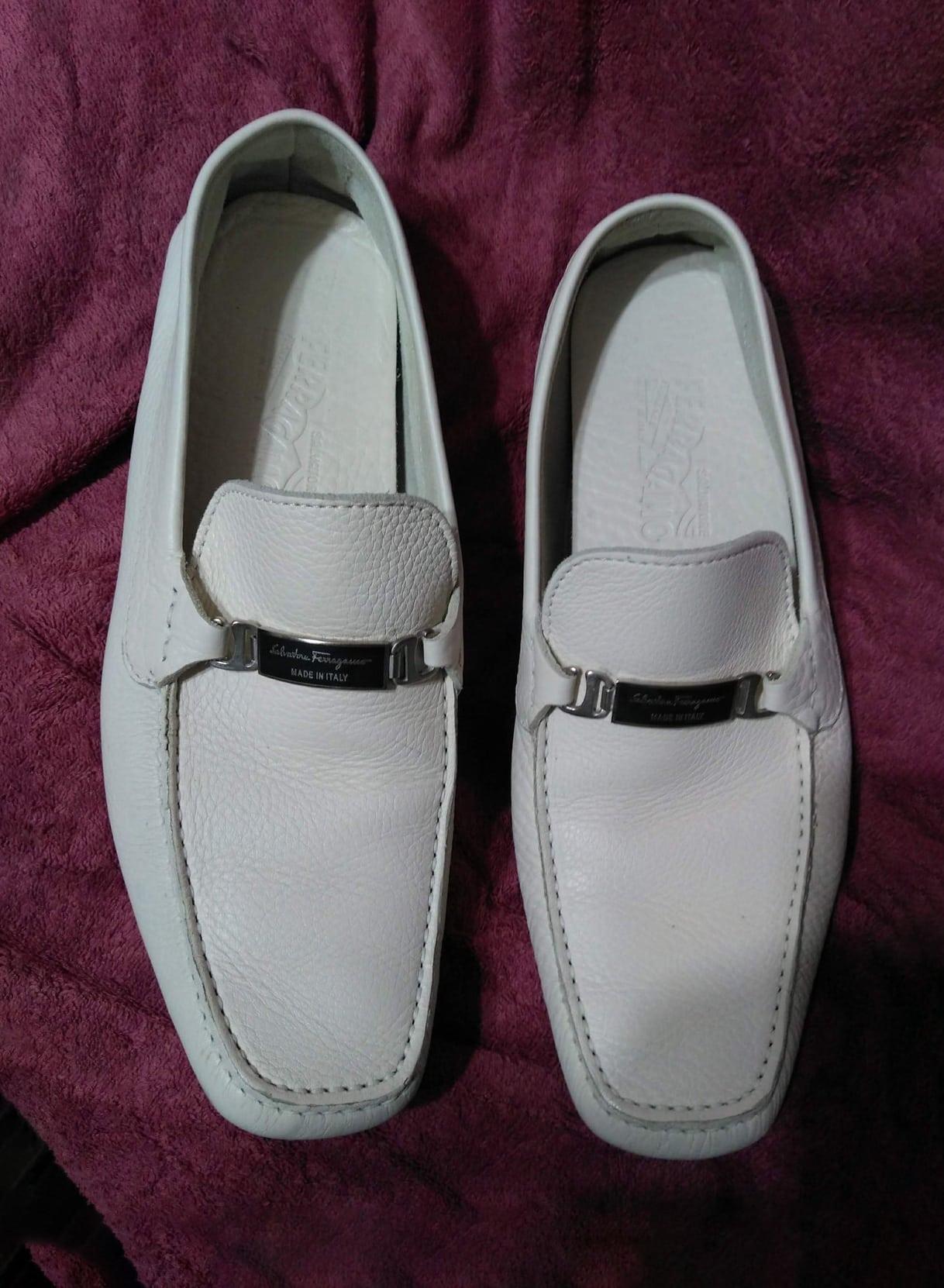 Salvatore Ferragamo mens driving loafers shoes drivers white cream leather 9